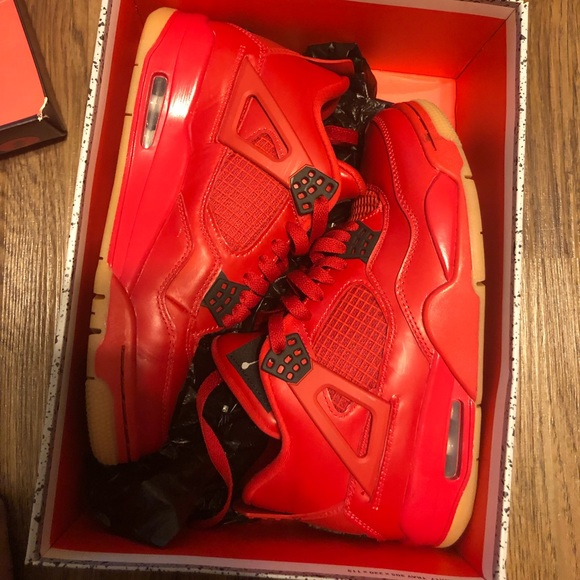 new arrival d20bb 6ed33 All red Jordan retro 4s !! Limited edition!!! New NWT